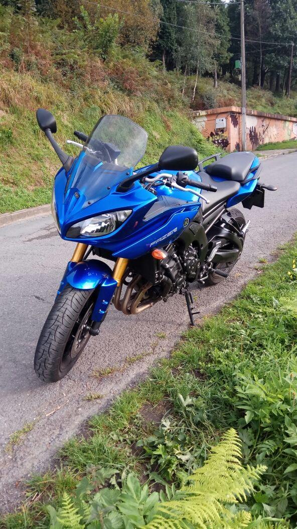 Moto Yamaha FZ8 S
