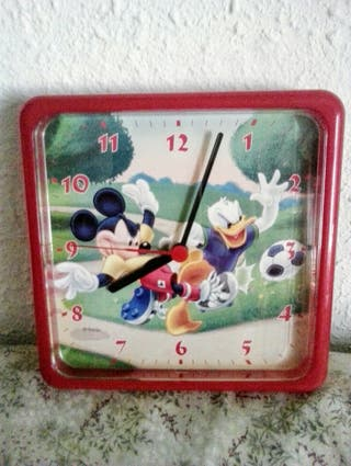 Reloj pared infantil Disney.