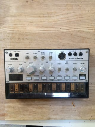 Volca bass synth analog