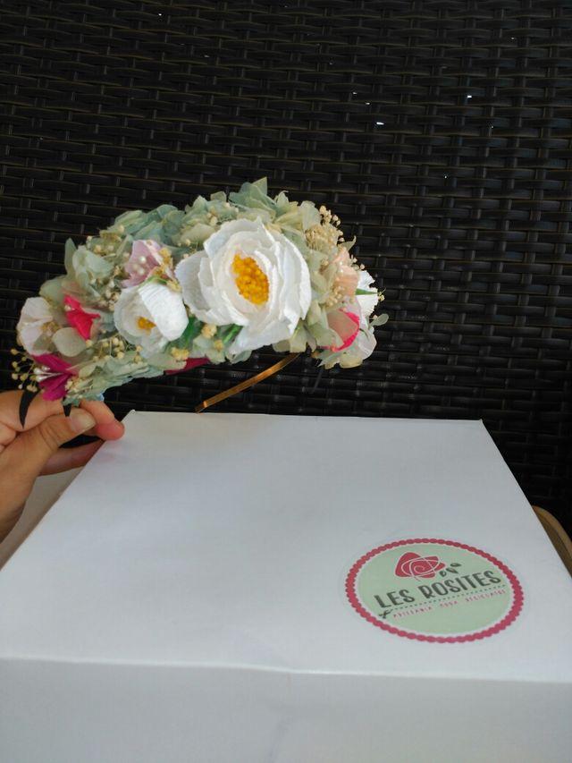 Diadema de flores de Les Rosites