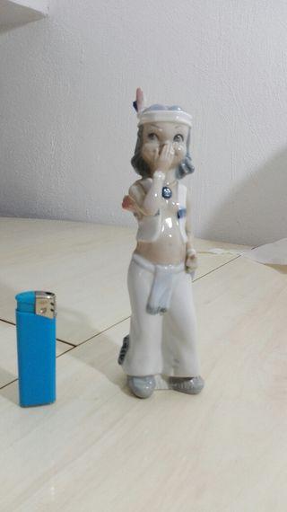 figura decorativa de porcelana Casal