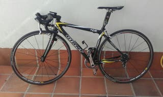 Bicicleta Giant de Carbono/ Shimano Ultegra