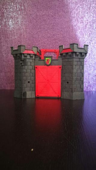 HOY TODO A 25€ Playmobil. Castillo del lobo rojo.