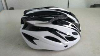 casco bicicleta y gafas nuevo
