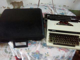 una makina de escribir
