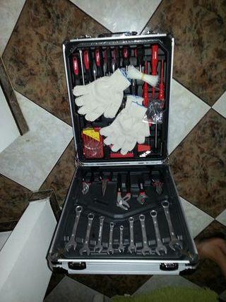 Maletín de herramientas 600 piezas
