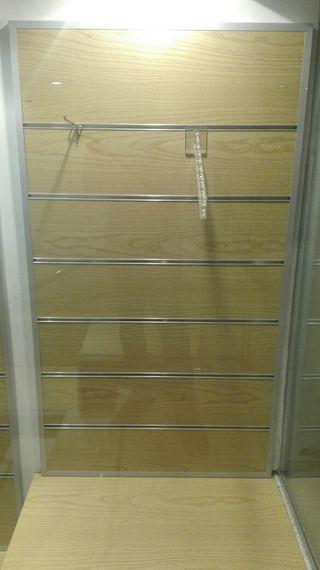 Estanteria panel madera soportes metalicos