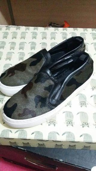 zapatos numero 38 camuflage con pelo