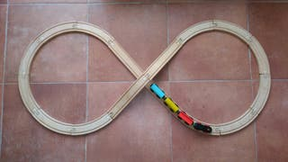 Tren de madera.
