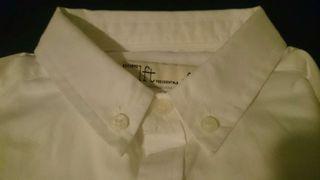 Camisa blanca y pantalón de niño. Talla 4-5. nuevo