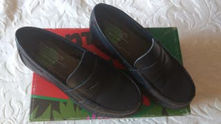 Zapatos Gorila tipo mocasin Talla 30