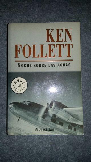 Noche sobre las aguas de Ken Follet