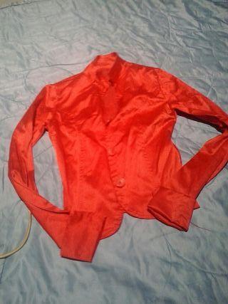 chaqueta vestie roja