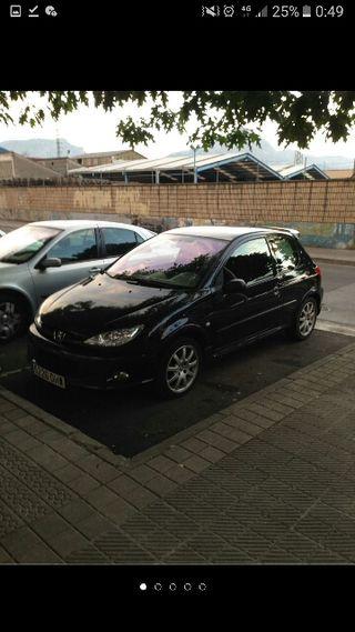 Renault Clio 1.8 16v