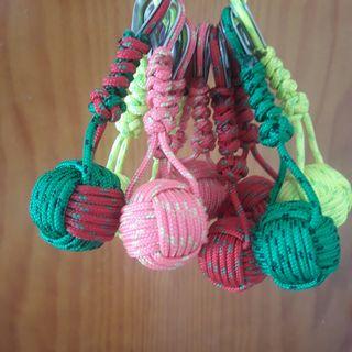 vendo bolas de llavero de todos los colores