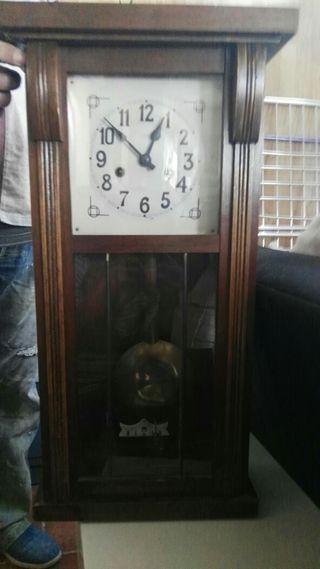 Reloj de pared antiguos