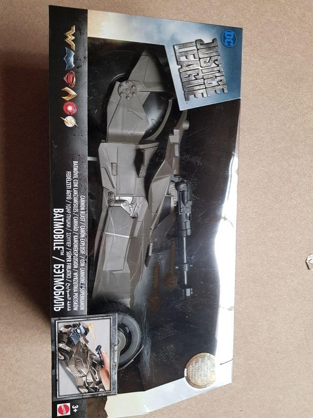 batmovil super lanza misiles juguete