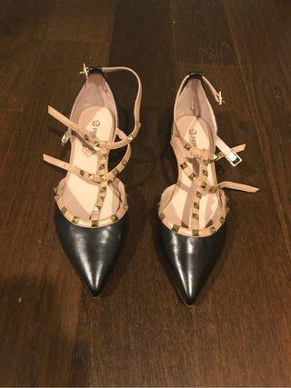 Zapatos tipo valentino piel 41