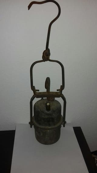 Antigua lámpara candil minero