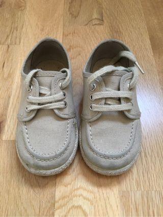 Zapatillas bebe 22