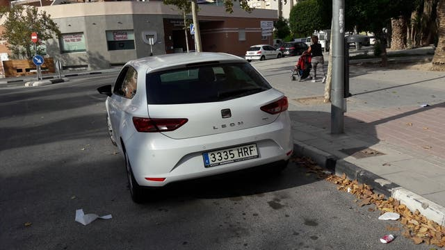 SEAT Leon 2013 sc style 2.0 150 cv blanco 120000