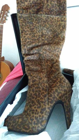 botas leopardo