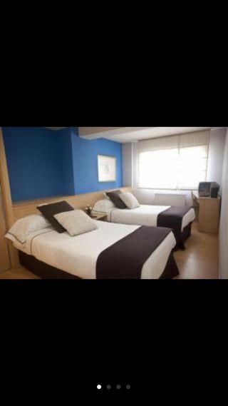 Colchon y somier de hotel en buen estado!