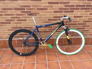 Bicicleta fixie mtb reciclada