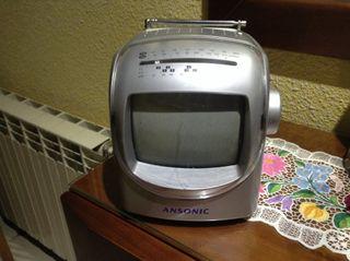 Television con radio antigua