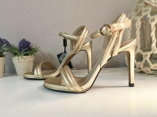 Sandalias de tacon doradas núm.37
