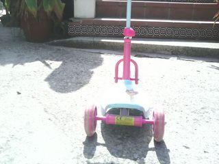 Monopatín juguete