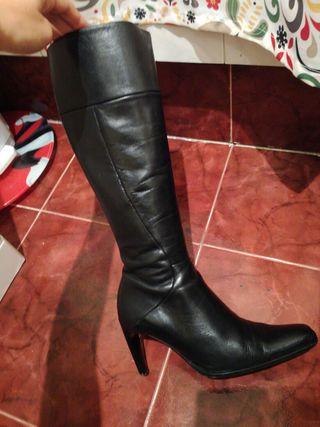Botas de piel nuevas de marca