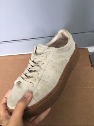Tenis/zapatillas zara de piel