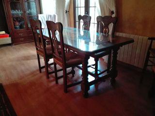 Mesa y 6 sillas de madera pino en perfecto estado