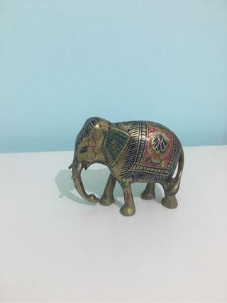 Elefante de bronce