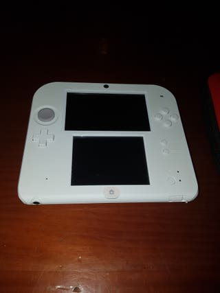 Nintendo 2ds + funda