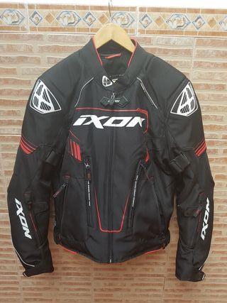 Chaqueta moto IXON