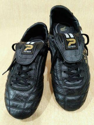 Botas de fútbol con tacos de segunda mano en la provincia de ... a765ea03b6898