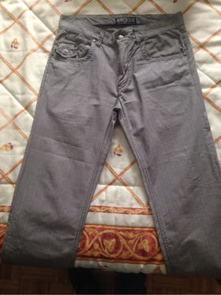 Pantalon cuadros chico
