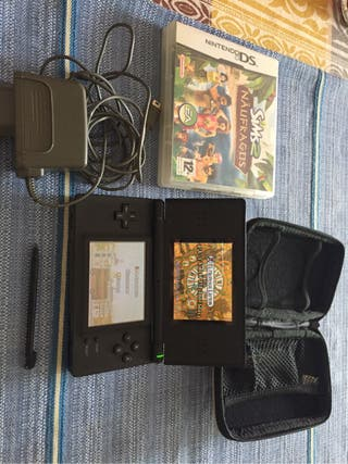 Nintendo DS lite negra.