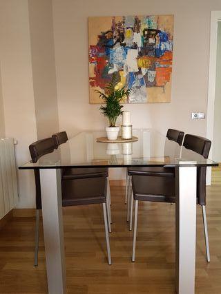 Mesa comedor cuadrada de segunda mano en wallapop for Mesas de comedor de cristal segunda mano