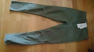 pantalón verde niña