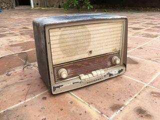 Radio antigua philips
