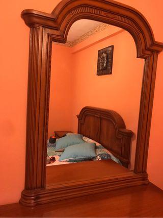 Comoda con espejo nueva de madera
