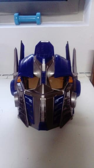 Casco de Optimus prime