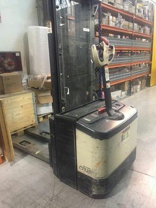 Alquiler de apiladores electricos