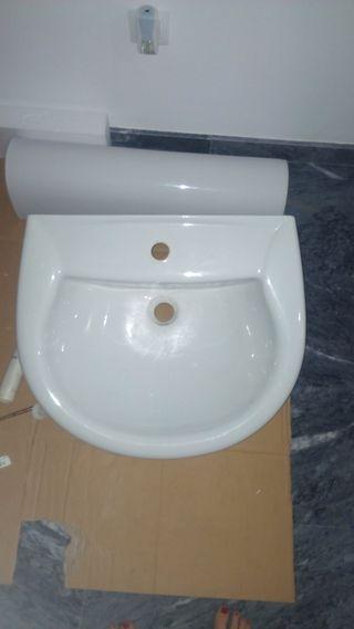 Pila lavabo con pie
