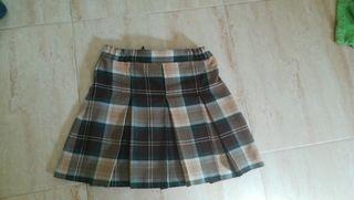 falda del colegio