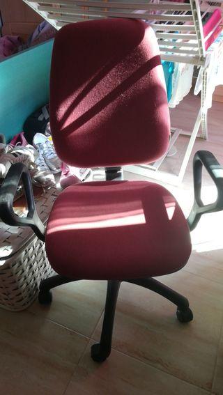 silla roja de empresario