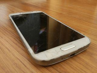 Samsung S4 pantalla rota. Buen estado
